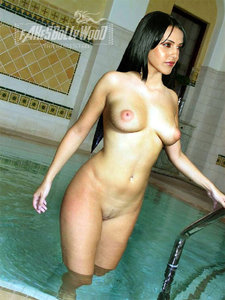 hd16e87ey1rk t Neha Dhupia Nude in Swimming Pool n Giving Blowjob [Fake]